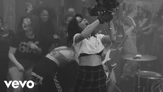 Download Halsey - Nightmare (Behind The Scenes) Video