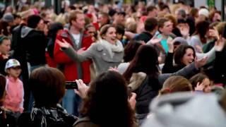 Download Flashmob Ireland : Let Mr Blue Sky In - Cork City Ireland Video