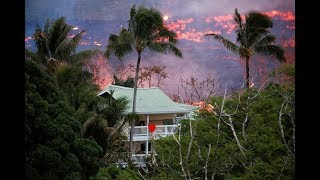 Download Kilauea eruption: loud and fiery explosions, lava flows now reaching Pacific Video