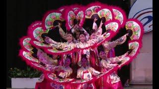 Download Korean folk dance: Buchaechum 부채춤 Video