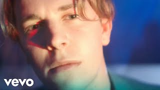 Download Tom Odell - Wrong Crowd Video