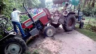 Download Very risky swaraj tractor fall in drain 2 Video