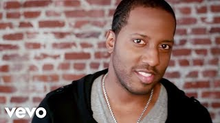 Download Isaac Carree - In The Middle Video
