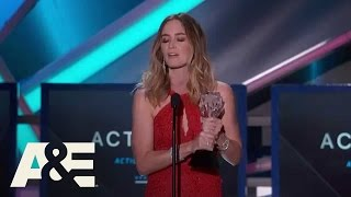 Download Emily Blunt Wins Best Action Movie Actress - 2015 Critics' Choice Movie Awards | A&E Video