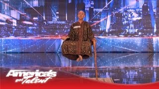 Download Special Head Levitates and Shocks the Crowd - America's Got Talent Video