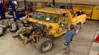 Download Stripping Down A 1979 Ford Bronco - Trucks! S9, E4 Video