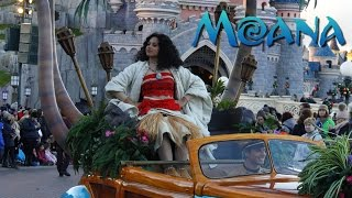 Download First Look at Moana - Disneyland Paris - 2016 Video