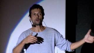 Download A determinação para achar o sentido da vida: Eduardo Marinho at TEDxAvCataratas Video