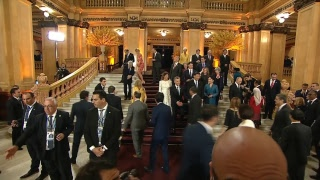 Download Leaders and their partners' arrival at the Colón Theatre Video