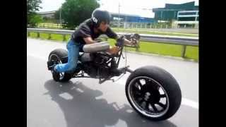 Download Malaysian Batpod by Eastern Bobber Video