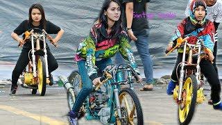 Download ini dia, Para Wanita Calon Joki Papan Atas Drag Bike Indonesia Championship Video