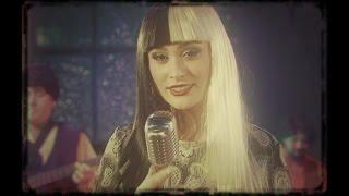 Download Elif Kaya - Karanlık Dünyam Video