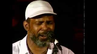 Download Maze Ft. Frankie Beverly - Live at the Hammersmith Odeon (1995) Video