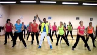 Download Zumba fitness - échauffement Video
