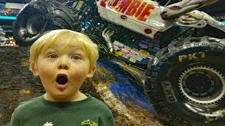 Download Monster Jam Backstage & Pit Party - Monster Mutt and Zombie's biggest fans. Video
