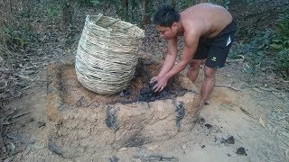 Download Primitive Life-Make Charcoal by Wet Wood and Open Stove! Video