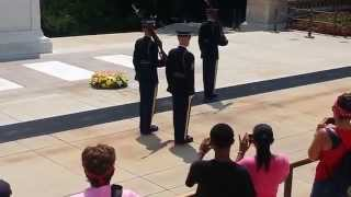 Download Tomb of the Unknown Soldier-Guard calls out crowd Video