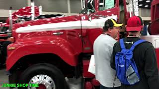 Download MID-AMERICA TRUCKING SHOW 2018 (WITH THE JUNKIE) Video