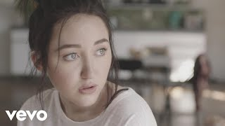 Download Noah Cyrus - Make Me (Cry) ft. Labrinth Video