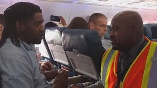 Download Delta Passenger Kicked Off Plane for Using Bathroom: 'I Had an Emergency' Video