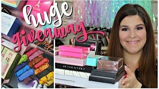 Download HUGE INTERNATIONAL HOLIDAY GIVEAWAY! CLOSED Video