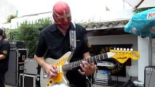 Download Los Straitjackets - You Send Me Video