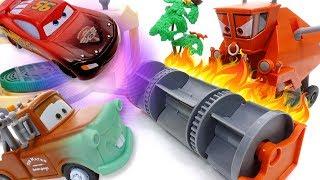 Download Frank Gone Mad~! Disney Cars Color Changer Toys Video