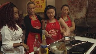 Download Watch Kate Make Bananas Foster With a New Orleans Chef | Kate Plus 8 Video