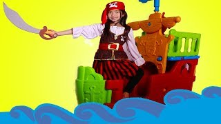 Download Emma Pretend Play with Pirate Ship Toy Video