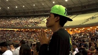 Download Time to Dance: Thousands Pray for Salvation in Brazil Video