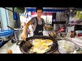 Download Street Food in Bangkok - Awesome PAD THAI and Instant Noodles on Petchaburi Soi 5! Video