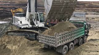 Download Liebherr 984 Excavator - 35 Minutes Loading Non Stop Video