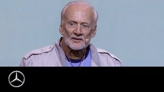 Download me Convention 2017 Day 1: Opening in Frankfurt with Buzz Aldrin Video