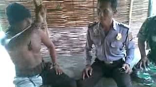 Download suku dayak indramayu vs polisi Video