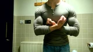 Download Tight Top Muscle Flex 2 Video