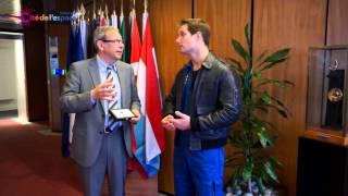 Download Une pierre martienne pour Thomas Pesquet Video
