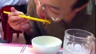 Download Nikmatnya makan hidangan ulat hidup!!! Video