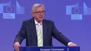 Download Nigel Farage: EU chief looks like 'a complete idiot' Video