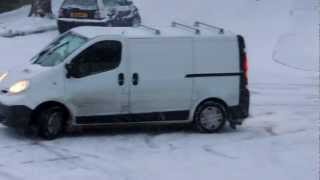 Download Vehicles struggle with icy hill - Bexhill-on-Sea Video