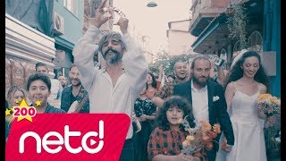 Download Manuş Baba - Eteği Belinde Video