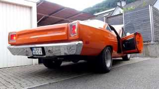 Download LOUD ´69 Plymouth Road Runner Wheelspin, Startup & Acceleration Sound Video