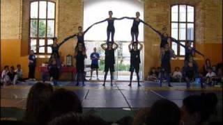 Download Acrogimnasia IES EL CLOT en La Petxina Exhibicion Video