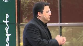Download Emprendimiento en diseño y arquitectura: Axel Paredes at TEDxUFM Video