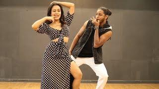 Download AANKH MAREY   NEHA KAKKAR dances to her own song   Melvin Louis Video
