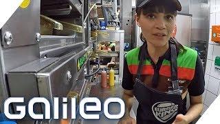 Download So hart ist der Job in einem Fastfood Restaurant | Galileo | ProSieben Video