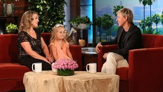 Download Adorable 'Frozen' Mom and Daughter Are Here Video