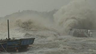 Download Dangerous Storm Surge, Huge Waves Super Typhoon Usagi Stock Footage Screener - HD 1920x1080 30p Video