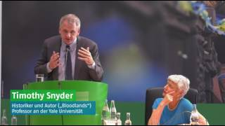 Download Timothy Snyder on Germany's Historical Responsibility towards Ukraine + Discussion Video