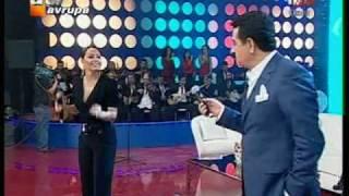 Download Ebru Gundes - Ibrahim Tatlises Düet - Ben Insan Degilmiyim Video