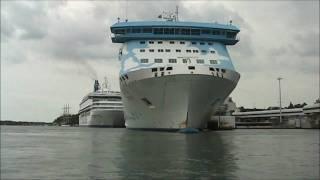 Download Silja Line M/S Galaxy running backwards in to the port of mariehamn 07.08-2010 Video